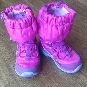 Stride Rite Made 2 Play boots 7M